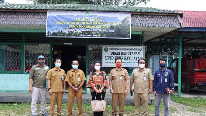 Selamatkan Hutan dan Gali Potensi Alam Kaltim, Komisi II Sambangi KPHL di Kutai Barat
