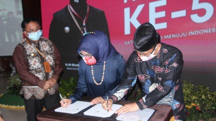 Fakultas Vokasi K3 (Keselamatan dan Kesehatan Kerja) Universitas Balikpapan menandatangani kerjasama dengan Dinas Kesehatan (Dinkes) Kota Balikpapan terkait Penelitan, Pelatihan dan Pengabdian Masyarakat.