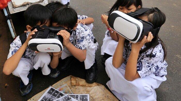 Mainan Kids Zaman Now, Cukup Bayar Rp 2 Ribu, Anak SD Ini Bisa Sewa VR 3 Dimensi
