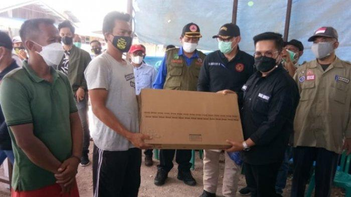 Wabup Serahkan Bantuan untuk Korban Kebakaran di Kembang Janggut, Ajak Warga Ikhlas dan Bersabar
