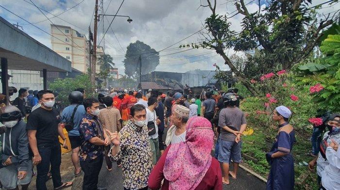 Pantau Kebakaran di Jalan Mutiara Samarinda, Wagub Kaltim Hadi Mulyadi Berpesan Hal ini kepada Warga