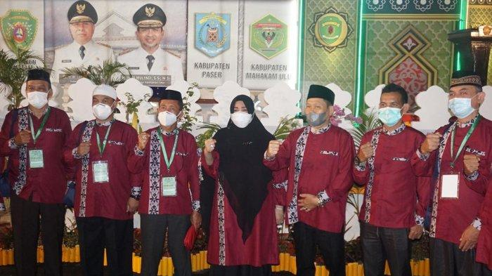 Wakil Bupati Hj Syarifah Assegaf, menghadiri dan foto bersama kafilah Paser pada penutupan MTQ tingkat Provinsi Kaltim ke-42 yang dilangsungkan di Kota Bontang. TRIBUNKALTIM.CO, SYAIFULLAH IBRAHIM