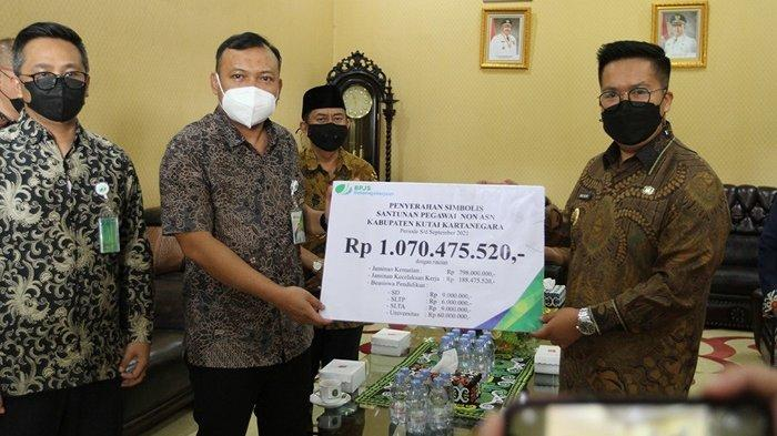 Wabup Apresiasi Santunan Rp 1 Miliar dari BPJS-TK, Diserahkan pada Ahli Waris Pegawai Non-ASN