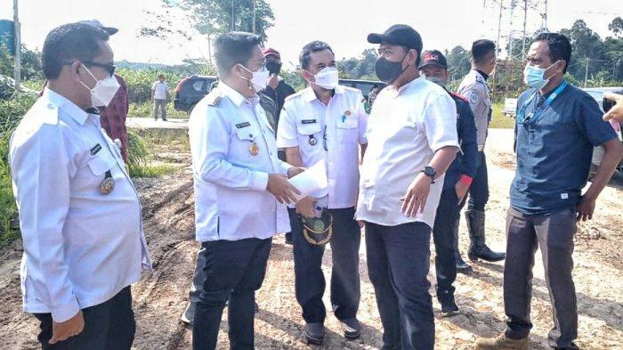Tinjau Proyek di Muara Jawa dan Sangasanga, Wabup Kukar Ingatkan Kontraktor Agar Tepati Waktu