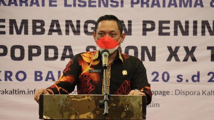 Hadiri Pembukaan Pelatihan Pelatih Squash dan Karate, Seno Aji Targetkan Banyak Atlet Ikut PON Aceh