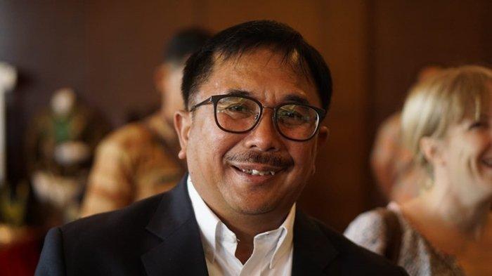 Gemar Koleksi Sepatu Sneaker, Walikota Balikpapan Rizal Effendi Gelisah Jika Tidak Masuk ke Toko