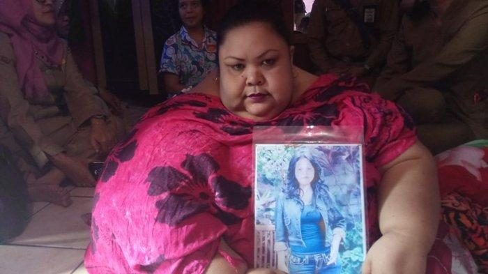Dievakuasi ke RS, Jebol Jendela dan 20 Orang Angkut Wanita Gemuk Kalteng Titi Wati, Ada Videonya