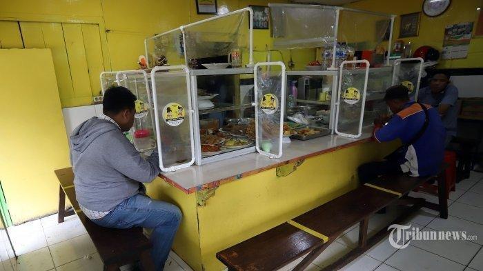 Wagub DKI Jakarta Sebut Makan di Warteg Pengunjung Harus Tunjukan Surat Vaksin