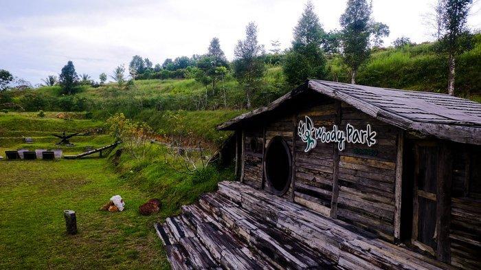 Suasana alami dan sejuk di Woody Park Borneo, Balikpapan, Kalimantan Timur.