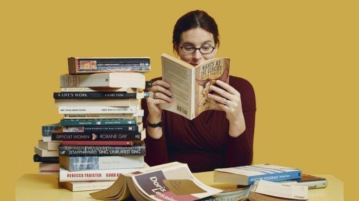 Ternyata Bisa Mengatasi Stres hingga Mencegah Pikun, Ini Manfaat Membaca Buku Malam Hari