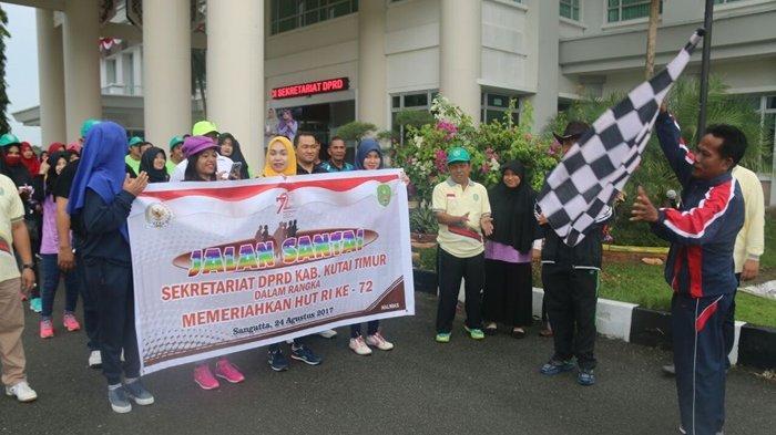 DPRD Kutim Tutup Peringatan HUT RI dengan Jalan Santai