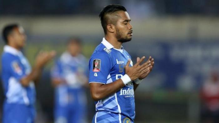 Zulham Zamrun Resmi ke Persib Bandung, Eks PSM Makassar Tak Gabung Djajang Nurdjaman Barito Putera