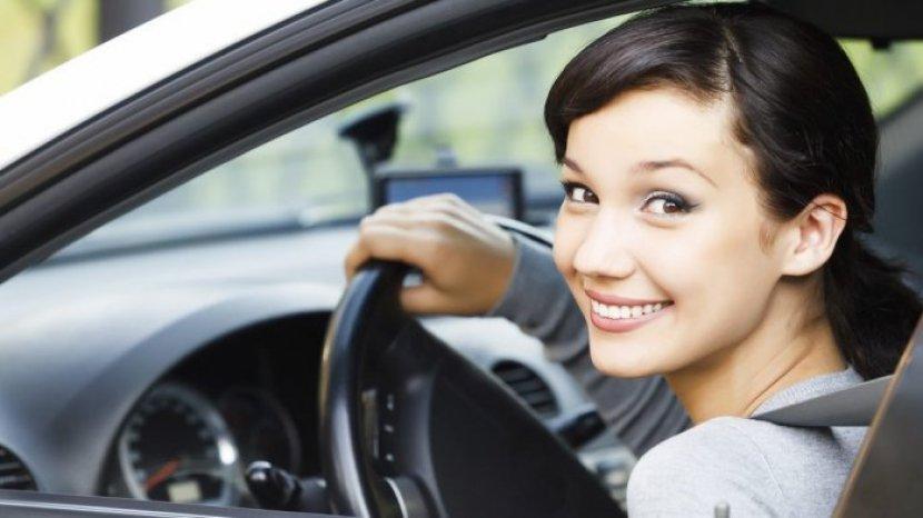 alacouk-pengemudi-wanita-harus-lakukan-ini-demi-keamanan-saat-mengemudi.jpg