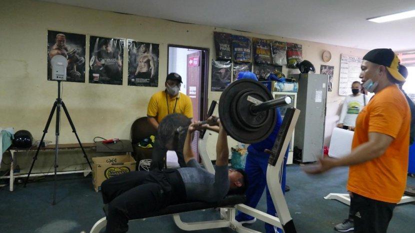 fisik-atlet-di-komplek.jpg