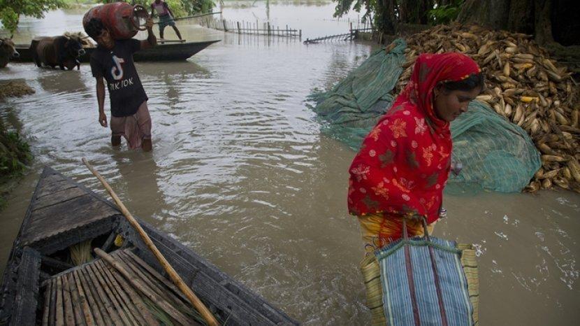 hujan-deras-mengakibatkan-banjir-di-nepal-india.jpg