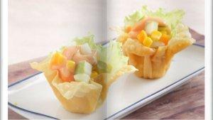 Cara Bikin Salad Campur Mangkuk Pangsit Super Enak, Kudapan Nikmat Saat Sore Hari