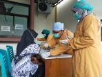 09-pelaksanaan-vaksinasi-covid-19-bagi-para-guru-di-puskesmas-yang-ada-di-kota-balikpapan.jpg