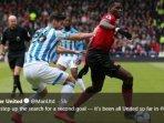 aksi-gelandang-manchester-united-paul-pogba-dalam-duel-melawan-huddersfield-town.jpg