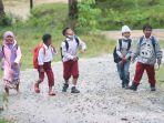 anak-anak-sd-negeri-021-teluk-waru-di-kelurahan-kariangau-balikpapan-barat.jpg