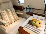 aneka-menu-makanan-lezat-di-dalam-pesawat-jenis-cessna-680-citation-sovereign.jpg