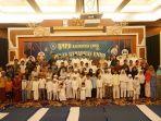 anggota-bmpd-kaltim-berfoto-bersama-anak-yatim-dalam-buka-puasa_20180526_161514.jpg
