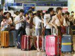 antrean-turis-di-sebuah-bandara-shanghaiist.jpg