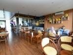 balikpapan_yellow-duck-cafe_20160503_191106.jpg