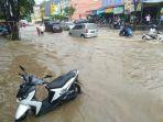 banjir-di-seputaran-jalan-aw-syahranie_20180625_135702.jpg