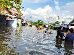 banjir-masih-merendam-kawasan-jalan-gelatik-samarinda.jpg