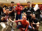 beberapa-anggota-komunitas-marvel-indonesia-regional-balikpapan-mengenakan-kostum-spiderman.jpg