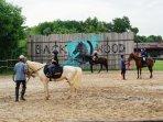 berkuda-di-backwood-horse-riding_3.jpg