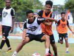 bryan-cesar-ramadhan-putih-berharap-kompetisi-sepak-bola-indonesia.jpg