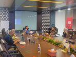 bupati-paser-dr-fahmi-fadli-didampingi-kepala-dinas-komunikasi-informatika-statistik.jpg