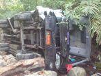 bus-rombongan-guru-masuk-jurang-cisarakan-1-tewas-12-lainya-luka-luka_20180908_153543.jpg