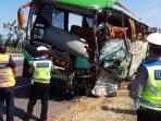 bus-yang-terlibat-dalam-kecelakaan-maut-di-tol-cipali.jpg
