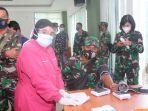 calon-pendonor-plasma-konvaselen-sedang-dicek-kondisi-fisik-di-makodim-0905-balikpapan.jpg