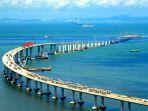 cina-rampungkan-jembatan-terpanjang-di-dunia-55-km-hubungkan-hong-kong-macau-zhuhai_20180405_141537.jpg