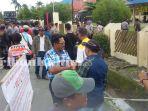 demo-warga-desa-mangkupadi-di-bpn_20170302_143255.jpg