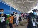 deportasi-dari-malaysia-berbaris.jpg