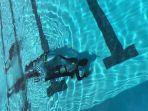 elon-musk-bantu-bikin-kapal-selam-mini-untuk-selamatkan-remaja-yang-terjebab-dalam-gua_20180709_101246.jpg