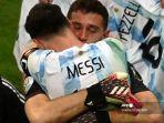 emiliano-martinez-dan-pemain-argentina-lionel-messi.jpg