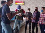 empat-pmi-tiba-di-bandara-nunukan-dan-dijemput-oleh-imigrasi-klas-ii-tpi.jpg