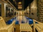 fasilitas-kolam-renang-di-urbanest-inn-house-tb-simatupang-pegipegicom.jpg