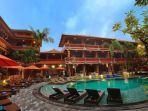 fasilitas-kolam-renang-di-wina-holiday-villa-hotel.jpg