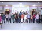 foto-bersama-bupati-tana-tidung-ibrahim-ali-dan-wakil-ketua-komite-ii-dpd-ri.jpg