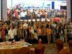 foto-bersama-delegasi-peserta-awoc-di-swiss-belhotel-balikpapan-selasa-11019.jpg
