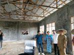 gubernur-kalimantan-utara-saat-meninjau-pembangunan-gedung-laboratorium-smk-spp-malinau.jpg