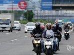 hakim-mk-jangan-jangan-polisi-salah-tafsir-aturan-penggunaan-lampu-sepeda-motor-pada-siang-hari.jpg