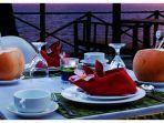 hawaiian-romantic-dinner-paket-makan-malam-saat-valentine-day-di-golden-tulip-balikpapan.jpg