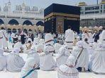 ilustrasi-jemaah-umrah-beribadah-di-masjidil-haram.jpg